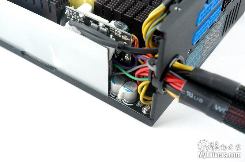 电源管理电路以子板独立制作,其上的电源管理ic使用的是点晶出品ps229