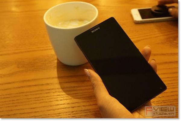 索尼L35h Xperia ZL评测:对比iPhone 5、小米2