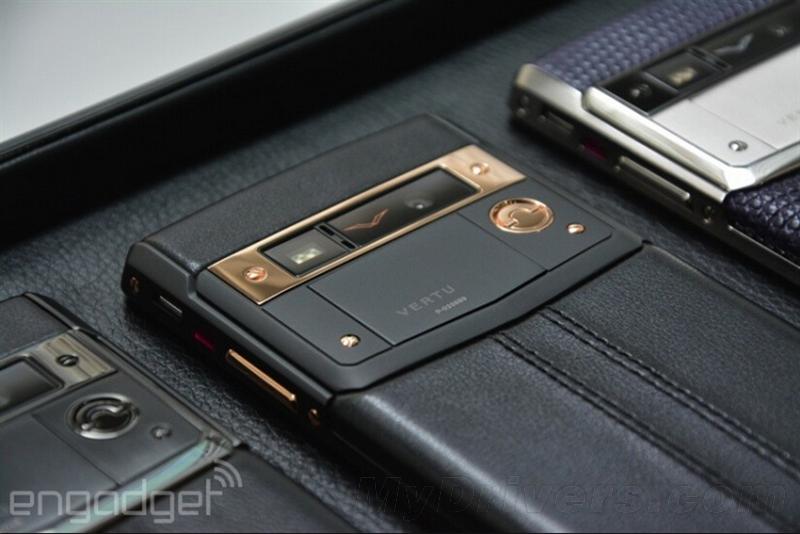 Vertu Signature Touch要价12万超奢华手机体验的照片 - 9