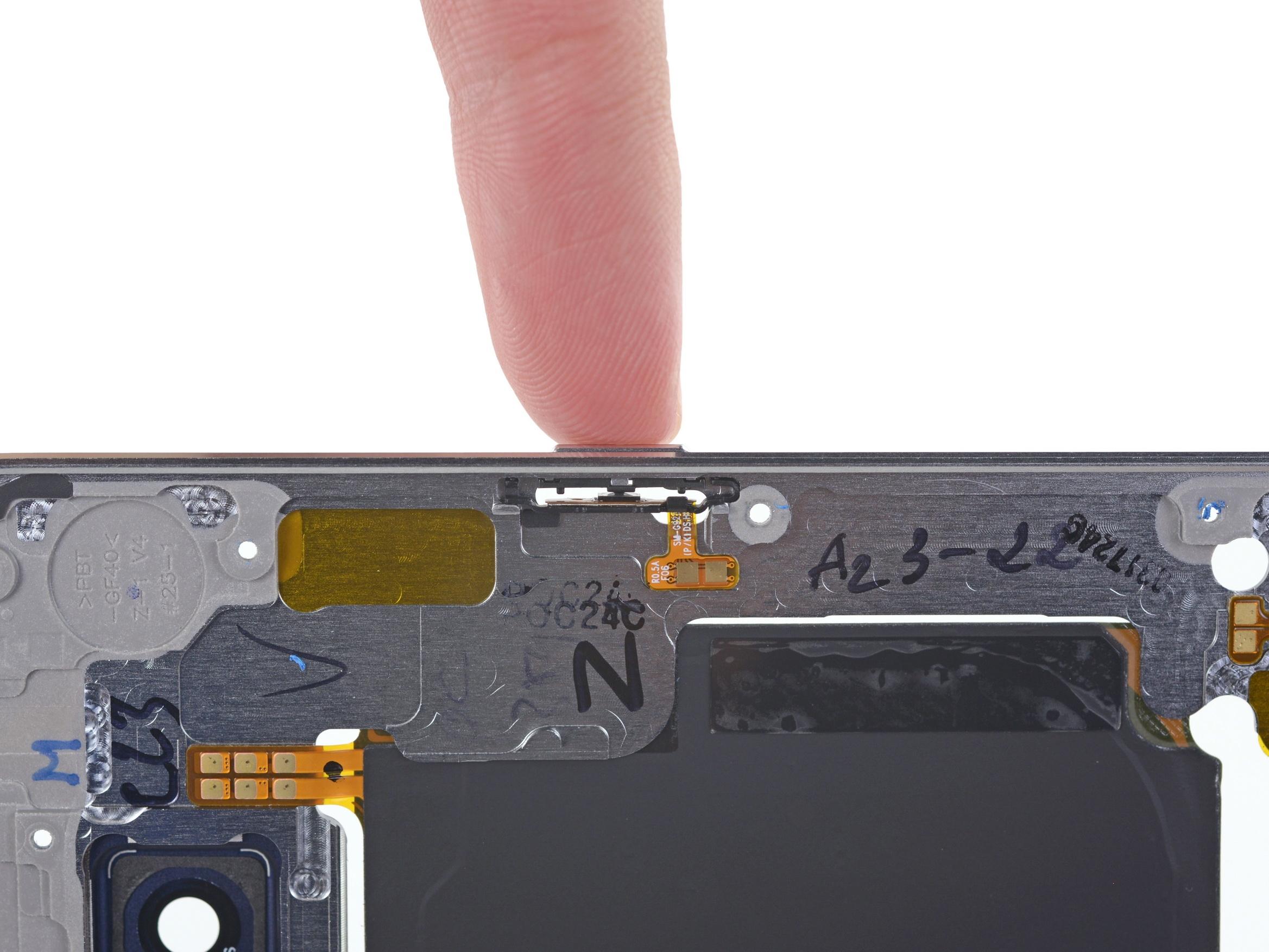 s6 edge完全拆解:电池太囧了!