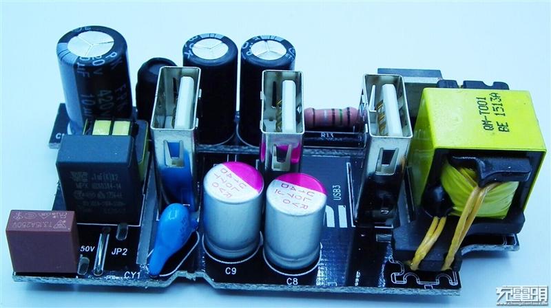 49元小米插线板深度拆解:有颗固态电容