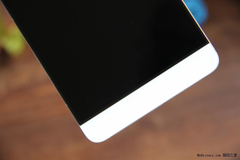 换个浅色壁纸又如何?乐视手机max评测