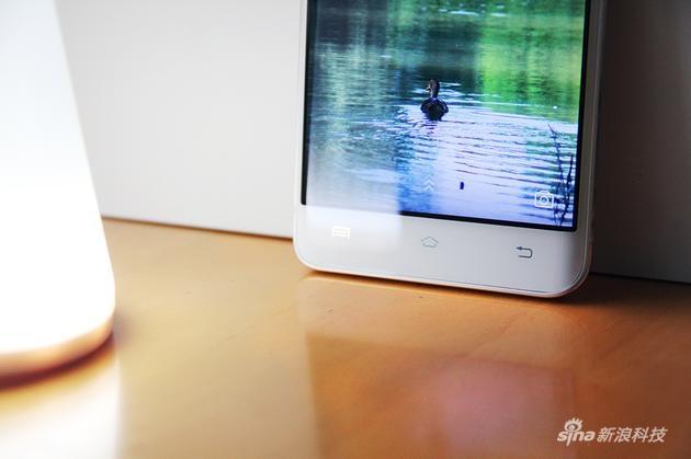 骁龙652曲面屏卖3698!vivo Xplay5首发评测