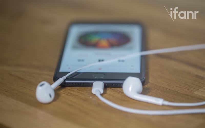 iPhone 7/7 Plus详细评测:买不买看完就知道