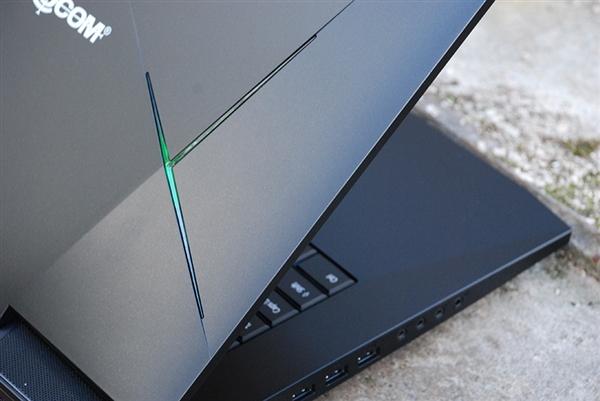 地表最强笔记本发布:台式机i7+双路GTX1080