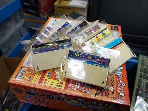 日本商家仓库堆满古董游戏机:很多都没见过