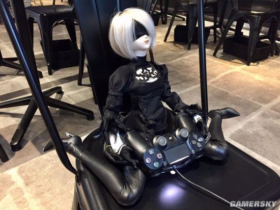 《尼尔:机械纪元》2B超柔软娃娃大火:能摆各种姿势