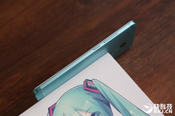 红米Note 4X初音套装开箱:1299元买不买?