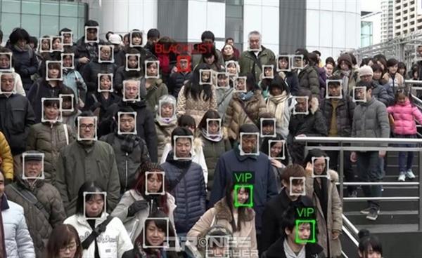 特工黑科技成真!人脸识别无人机瞬间在人海中锁定目标