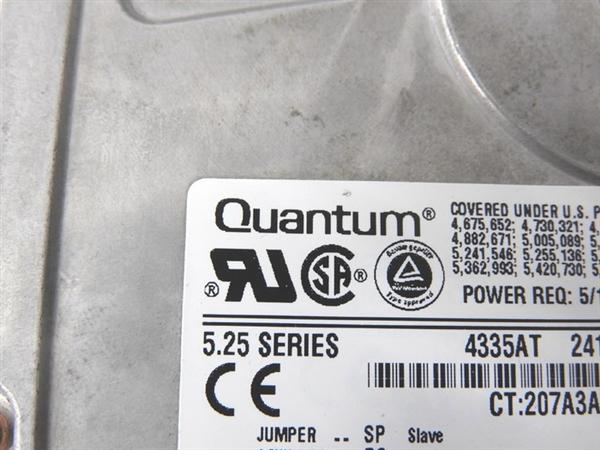 老外翻出远古5.25寸硬盘:4.3GB/速度不如U盘