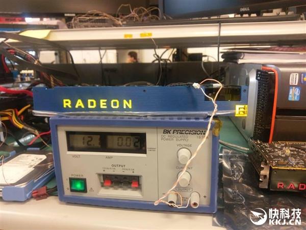 AMD Vega显卡真身出现了!等等 这是啥?