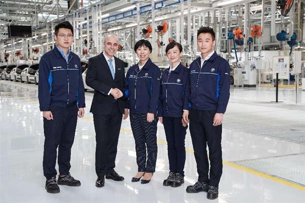 宝马国内最牛工厂投产:全新5系Li下线
