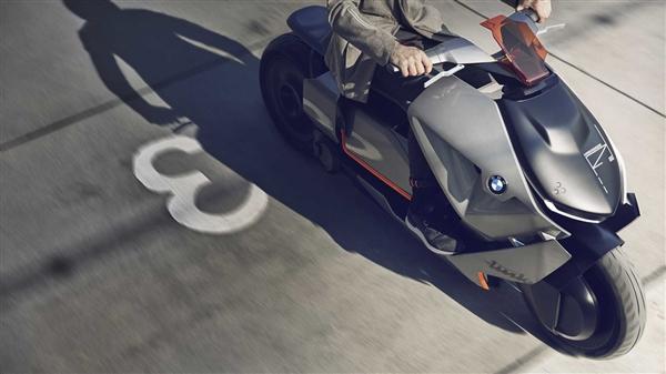 宝马首发液态金属摩托车:一言不合就变形