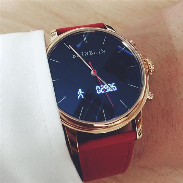 你与时尚先生只差一块BLINBLIN手表的距离