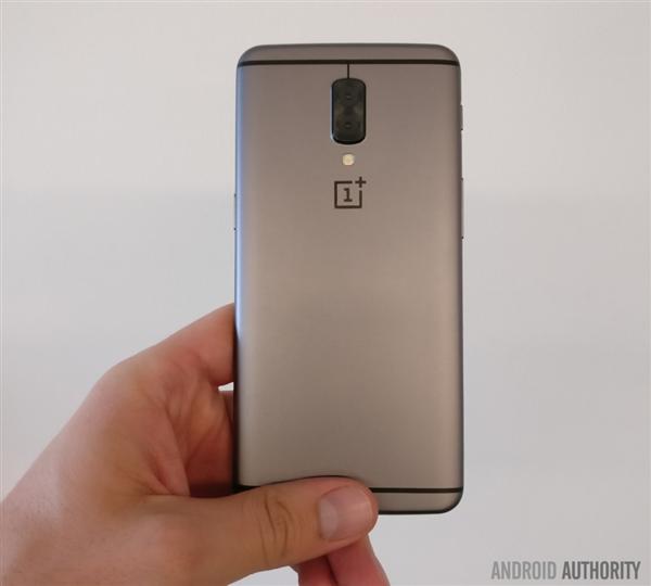 """一加手机5""""官方""""渲染外形曝光:平行双摄、金属喷砂"""