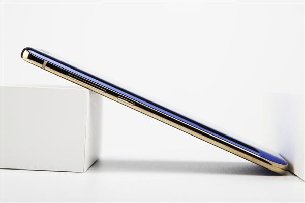 惊艳!蓝色小米6开箱:系统版本前所未见