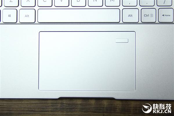 13.3寸小米笔记本开箱图赏:第七代Core换心!新增指纹解锁