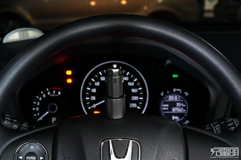 小米车载充电器快充版CZCDQ02ZM拆解评测