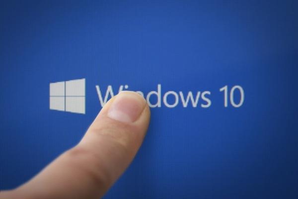 Windows 10新版发布:告别黑屏!