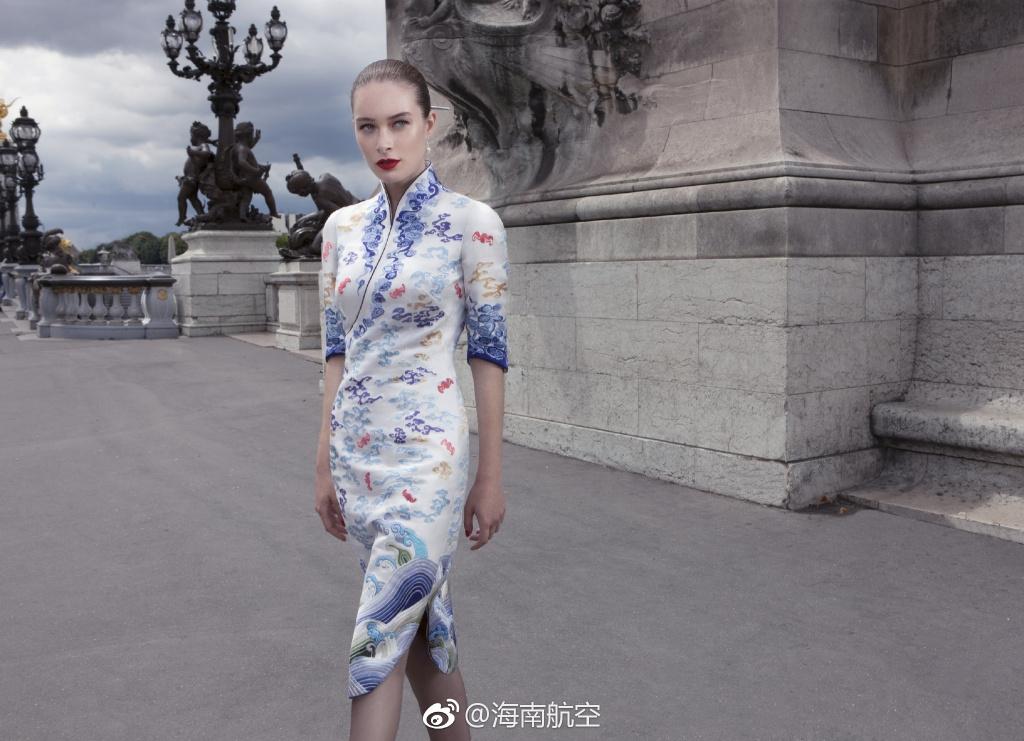 海南航空推第五代空姐制服:时尚旗袍美哭图片
