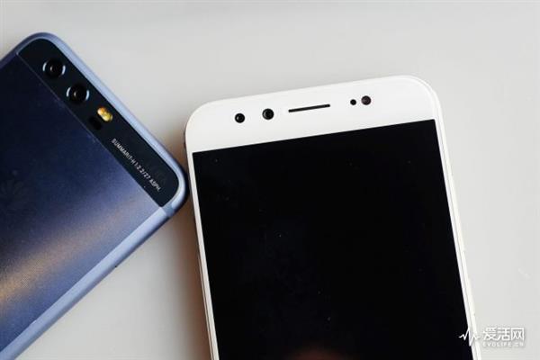 试用三台最热门自拍手机后 发现效果最好的是它