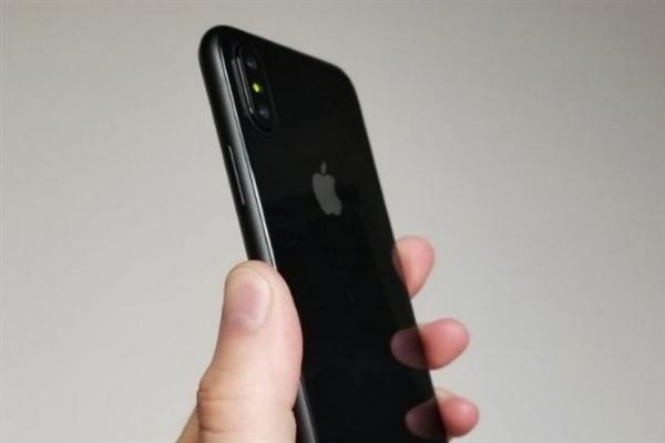 iPhone 8首张360度完整动图!设计再无悬念
