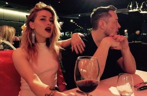 马斯克与明星女友确认已分手:依然深切关注对方