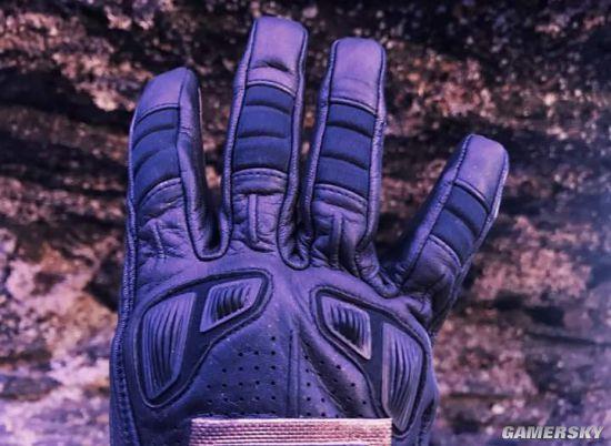 《复仇者联盟4》正式开拍 导演晒神秘手套引猜测