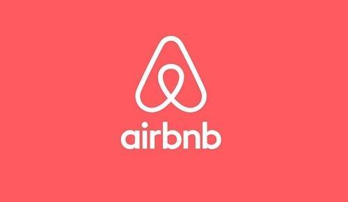 Airbnb回应情侣遭偷拍:已将房东移出 全额退款