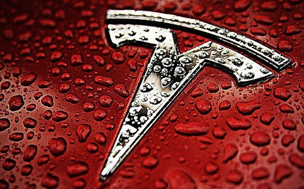 特斯拉无奈!2025年95%汽车仍用汽油:电动汽车靠边