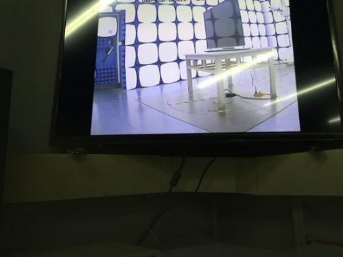 国外网友神偷拍!苹果电视谍照曝光:外形太抢眼