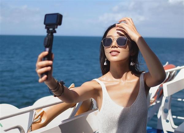 仅99克!699元米家小相机发布:6轴防抖/4K录制