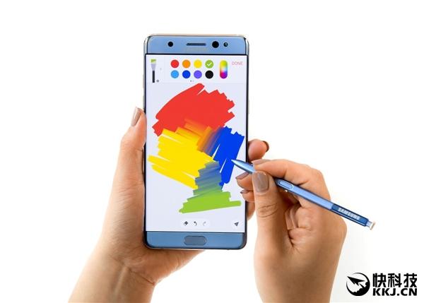 iPad Pro上有了Apple Pencil的支持后,工作效率提升了不少,而苹果还在不断提高这款手写笔的精度和灵敏度,力求带来真实手写的感觉。