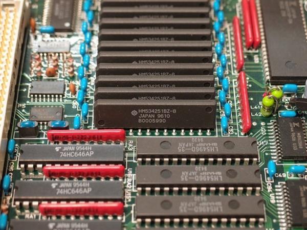 一年就作废 PCI-E 4.0标准就是个坑!