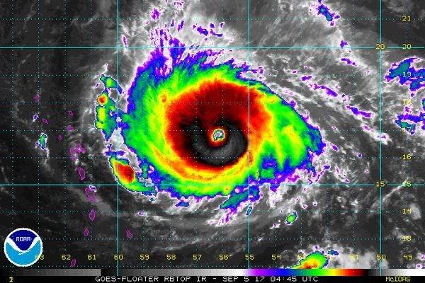 美国气象飞机穿越飓风眼:拍下的画面是这样的