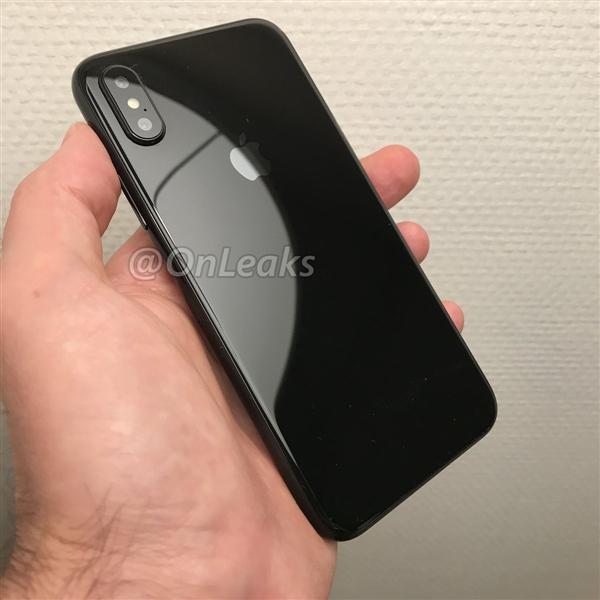 富士康大量出货运美国!iPhone 8包装盒信息曝光:改名字