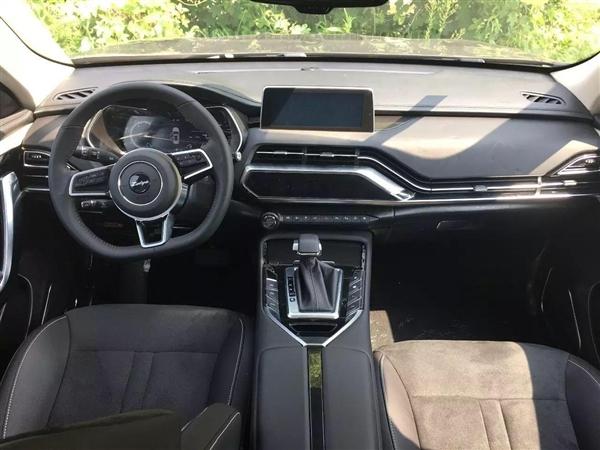 众泰全新SUV T500内饰公布:一点不眼熟