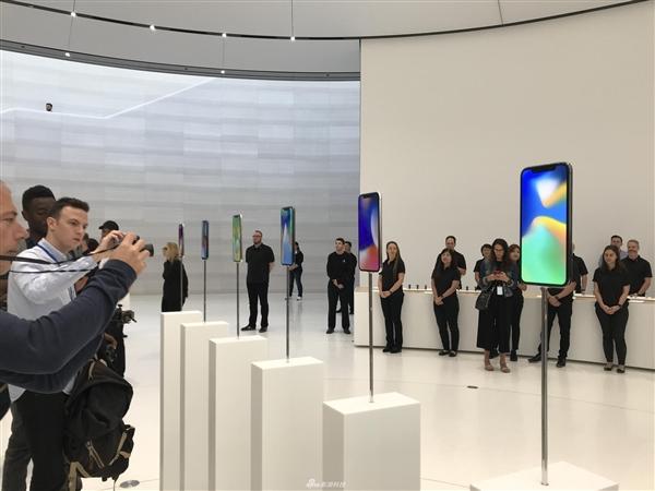 最贵9688元!iPhone X真机图赏、上手视频:看完心动