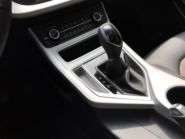 吉利新款远景亮相:全新1.4T发动机加持