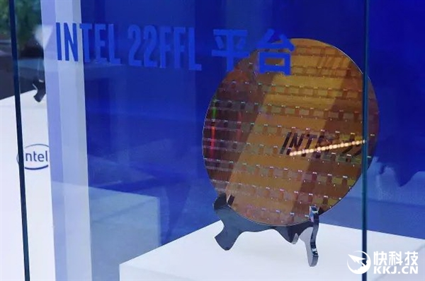 Intel秀最高密度10nm晶圆:领先台积电/三星整整一代