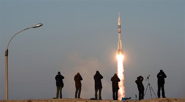 联盟号运算能力不如iPhone?俄使馆:那你坐手机去太空吧