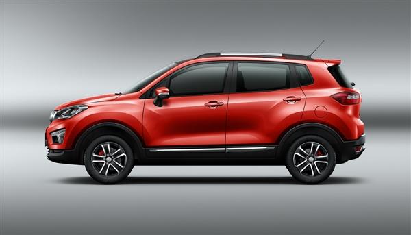 长安最小SUV CS15新款上市:6.64万起