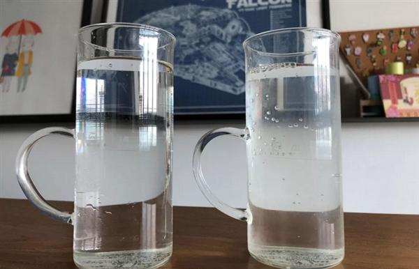 日本推出透明款奶茶:让人误以为是矿泉水