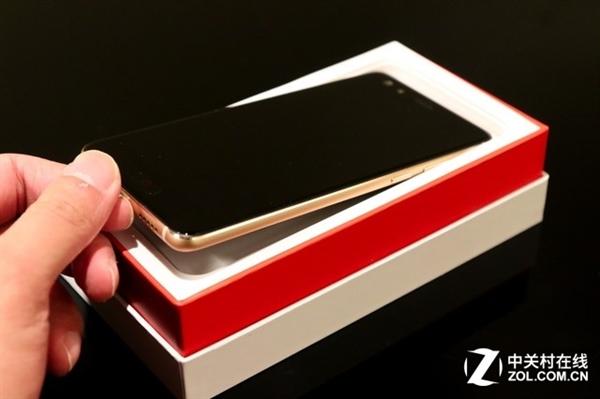 颜值最高的小牛!努比亚Z17miniS图赏:3D曲面炫光玻璃美
