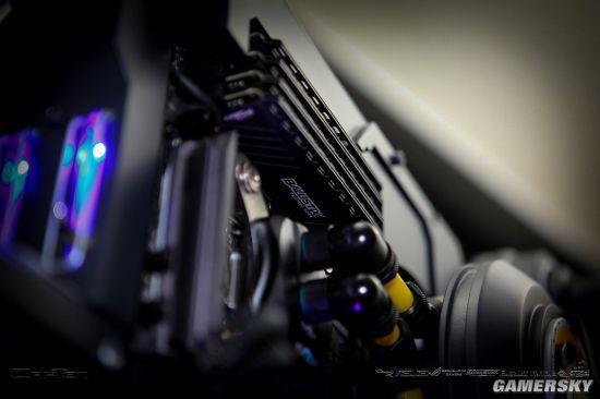 大神将电脑机箱改造成巨型步枪:科幻感十足