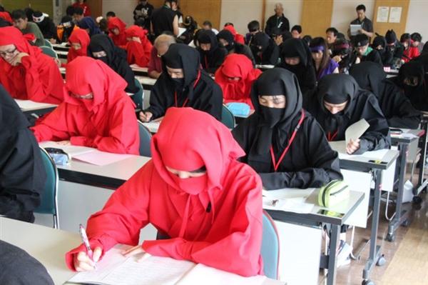 日本举行忍者资格考试 只考笔试、会丢手里剑能加分