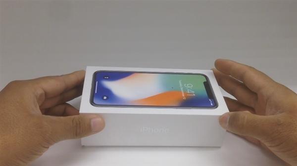 全球首个iPhone X用户开箱来了:开机体验越用越爱!
