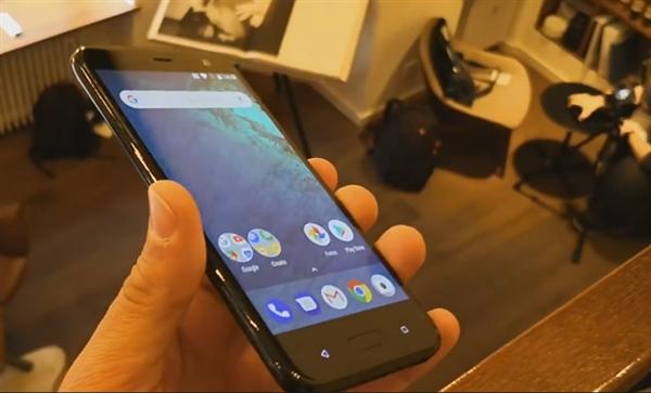 明天发!HTC全面屏U11 上手曝光:半透明后背销魂