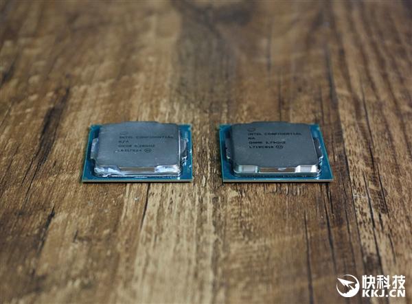 Intel i7-8700K对比7700K图赏:LGA1151接口找不同