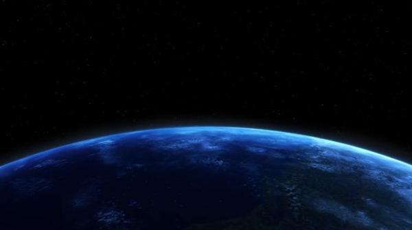 在太空拔河是怎样一种体验?相互伤害啊!